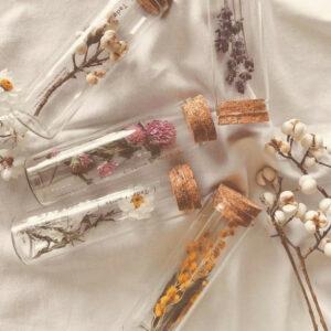 μίξη λουλουδιών που συνυπάρχουν στο Mistral κερί